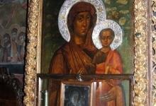 Ватопедская икона Симона Ушакова в притворе Благовещенского собора Ватопеда - дар Петра Великого 1